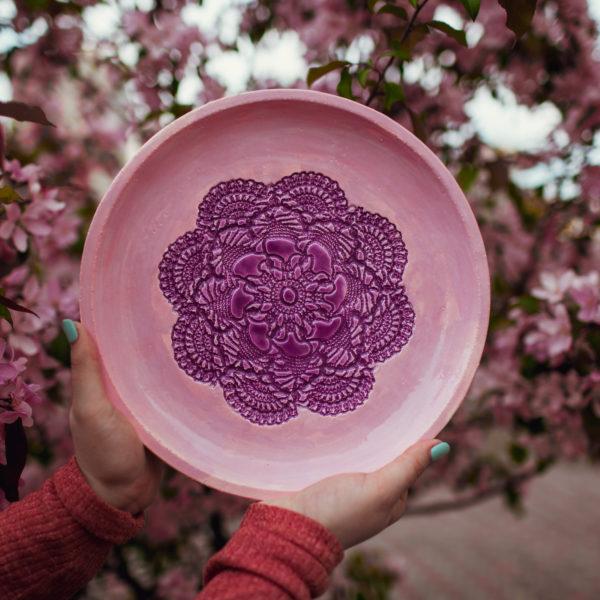 тарелка розовая большая