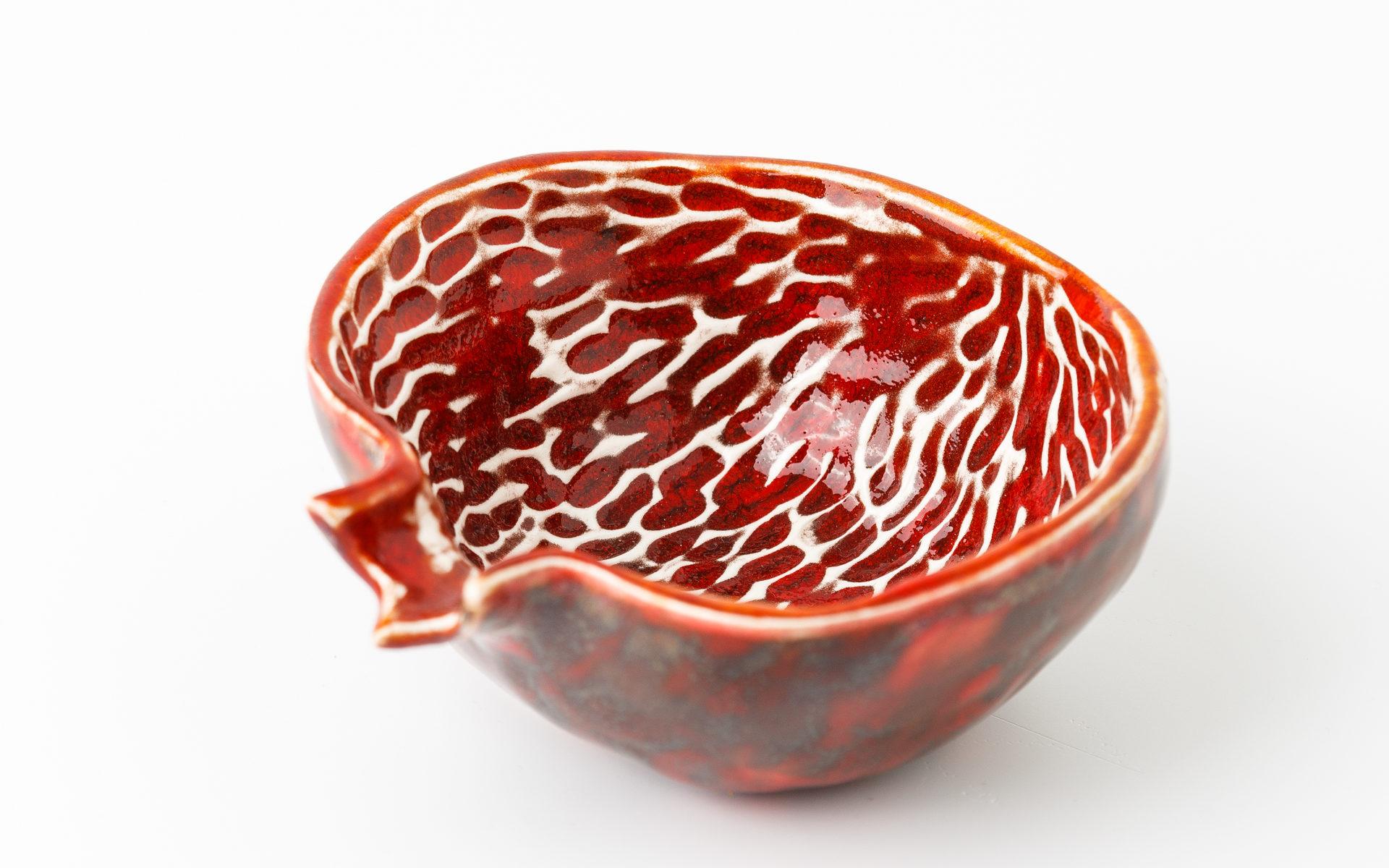 миска красная маленькая