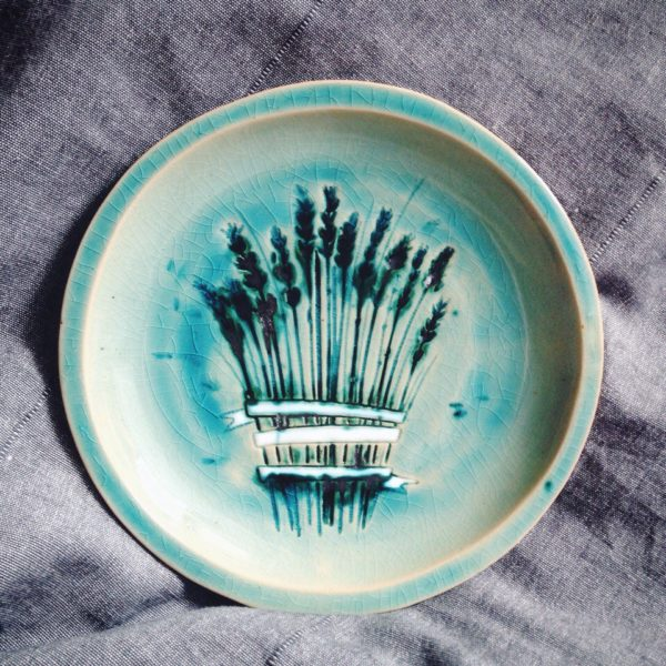 тарелка с лавандой средняя