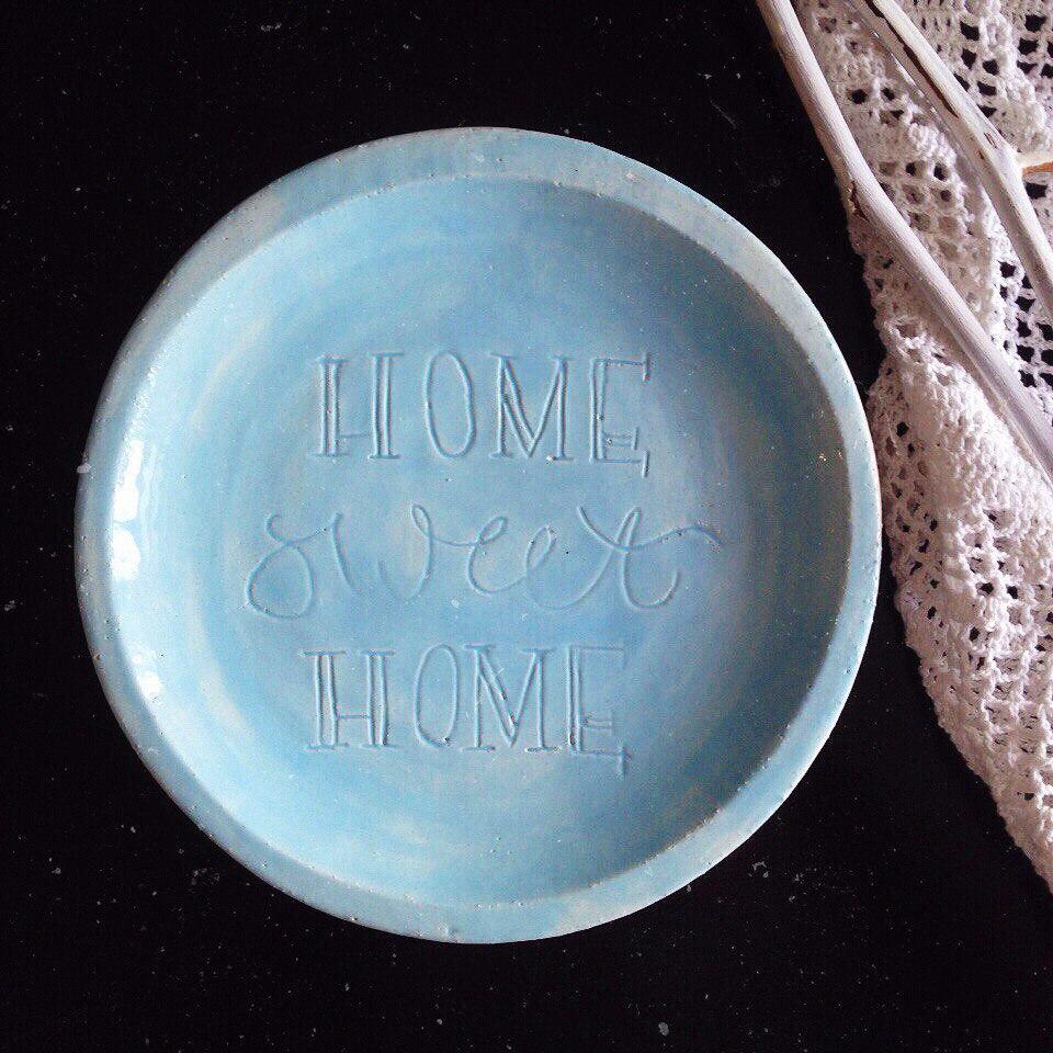 "тарелка с надписью ""home sweet home"""