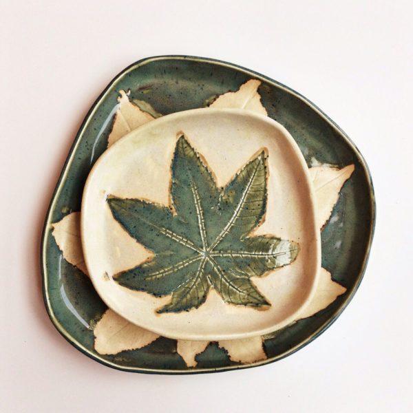 "Комплект тарелок ""листья"""