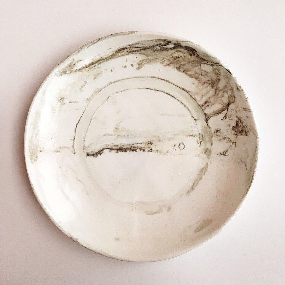 Тарелка «мрамор» средняя